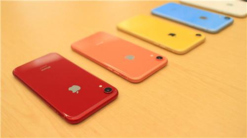 iPhone XR销量不佳 代工厂员工被迫休假